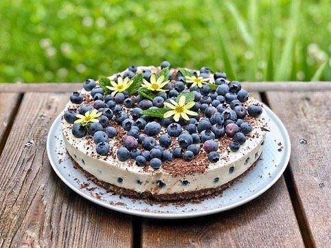 Tinklaraštininkės nuotr. /Veganiškas sūrio tortas su šilauogėmis