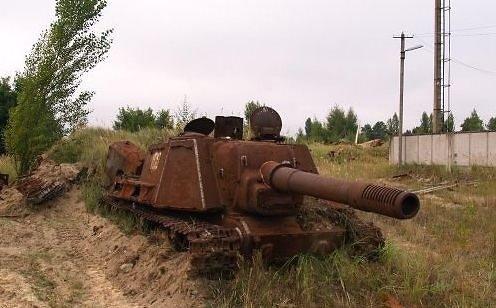 Drive2 iliustr./ISU-152, savaeigis pabūklas