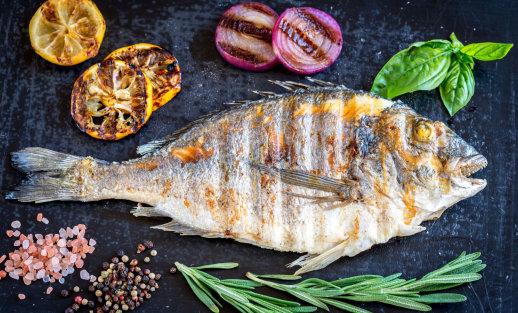 Svarbiausios žuvies kepimo taisyklės, jei norite mėgautis traškia jos plutele