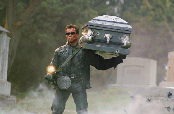 """Kadras iš filmo/Arnoldas Schwarzeneggeris filme """"Terminatorius 3: Mašinų prisikelimas"""""""
