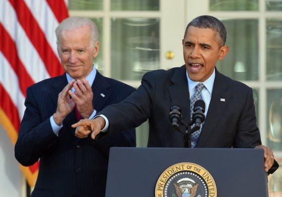 """AFP/""""Scanpix"""" nuotr./Joe Bidenas ir Barackas Obama"""