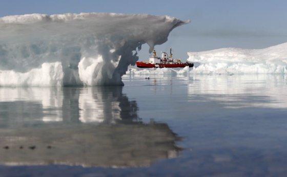 """Reuters""/""Scanpix"" nuotr./Ištirpus ledams laivai galės perplaukti Arkties vandenyną."