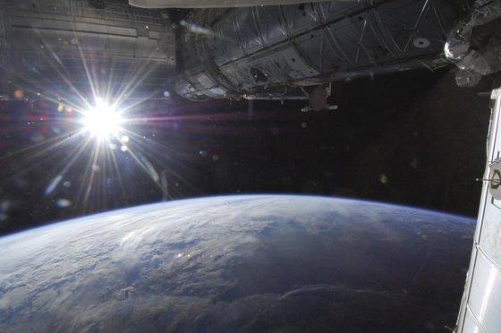 """""""Reuters""""/""""Scanpix"""" nuotr./Žemė nufotografuota iš Tarptautinės kosminės stoties"""
