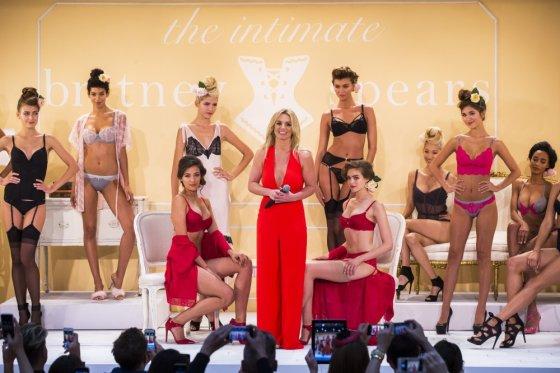 """""""Reuters""""/""""Scanpix"""" nuotr./Britney Spears pristatė savo kurtą apatinių drabužių kolekciją"""