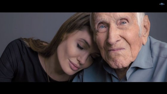"""Kadras iš """"Youtube""""/Angelina Jolie ir Louisas Zamperini"""