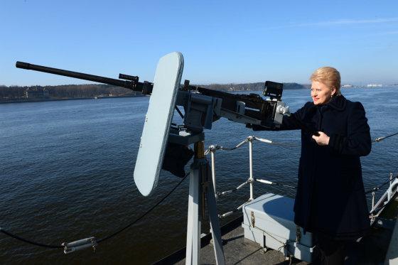 Alfredo Pliadžio nuotr./Dalia Grybauskaitė apsilankė Karinėse jūrų pajėgose