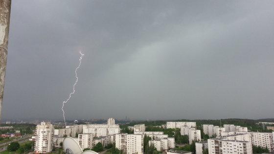 Žaibas virš Vilniaus, Daan nuotr.