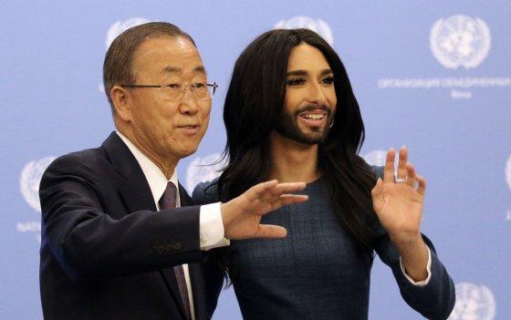 """Scanpix""/AP nuotr./Ban Ki-moonas ir Conchita Wurst"