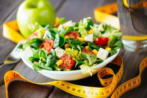 Fotolia nuotr./Salotos neatsiejamos nuo sveikos mitybos