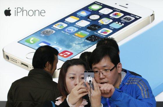 """Reuters""/""Scanpix"" nuotr./Išmanieji telefonai ""Apple iPhone"""