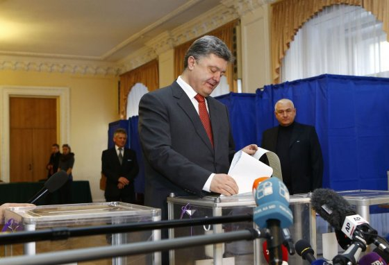 """""""Reuters""""/""""Scanpix"""" nuotr./Ukrainos prezidentas P.Porošenka balsavo rinkimuose"""