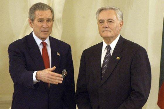 Kęstučio Vanago/BFL nuotr./JAV prezidentas George'as W.Bushas ir Lietuvos prezidentas Valdas Adamkus