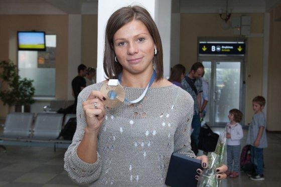 Juliaus Kalinsko/15min.lt nuotr./Šeštadienio popietę Lina Grinčikaitė grįžo į Vilnių