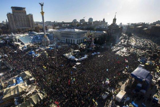 """""""Scanpix"""" nuotr./Sekmadienio mitingas Kijeve: susirinko daugiau nei 50 tūkst. opozicijos šalininkų"""