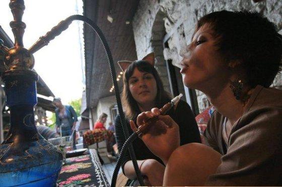 """""""Scanpix"""" nuotr./Lietuvoje rūkyti atvirose viešose vietose leidžiama."""