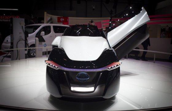"Irmanto Gelūno/15min.lt nuotr./""Nissan BladeGlider"" konceptas Ženevoje"