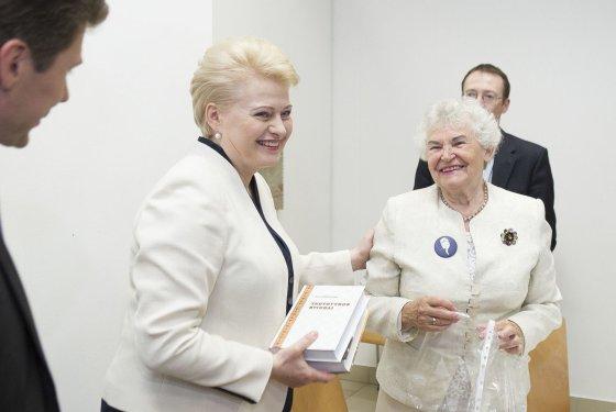 Irmanto Gelūno/15min.lt nuotr./Dalia Grybauskaitė ir Ona Voverienė