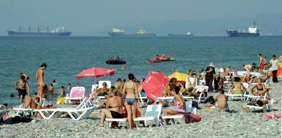 "AFP/""Scanpix"" nuotr./Batumis vasarą"
