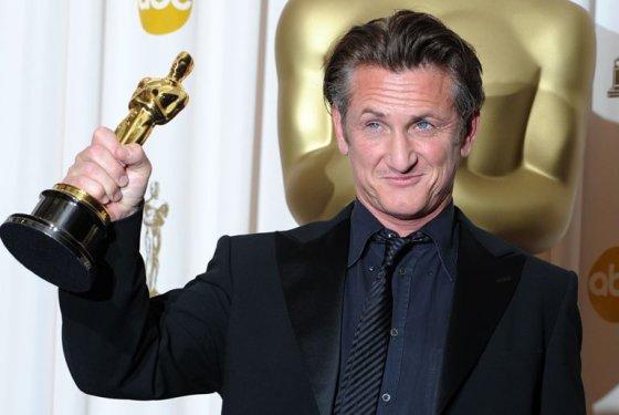 Seanas Pennas už Harvey Milko vaidmenį apdovanotas