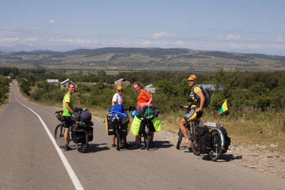 5 lietuviai, po Gruziją keliavę dviračiais