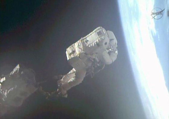 NASA nuotr./Astronautui Luca Parmitano šis išėjimas į atvirą kosmosą galėjo būti paskutinis