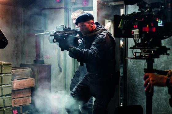 """Kino kūrėjų nuotr./Rudeniop ekranus pasieksiančioje juostoje """"Nesunaikinami 3"""" Martynas dubliavo Jasoną Stathamą. Filmavimo aikštelėje šis aktorius vos nepaskandino savo partnerio."""