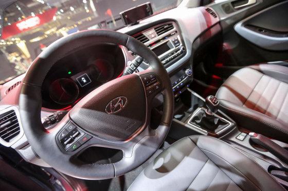 """Juliaus Kalinsko/15min.lt nuotr./""""Hyundai"""" mažylio i20 debiutas Paryžiuje"""