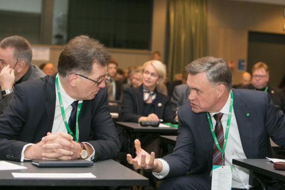Juliaus Kalinsko/15min.lt nuotr./Algirdas Butkevičius ir Robertas Dargis