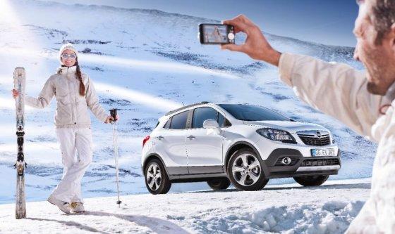 """Gamintojo nuotr./""""Opel Mokka"""" žiemos peizažuose"""