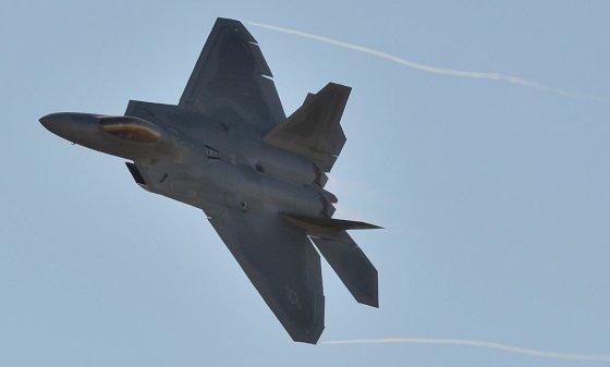 "AFP/""Scanpix"" nuotr./""F-22 Raptor"" naikintuvas"