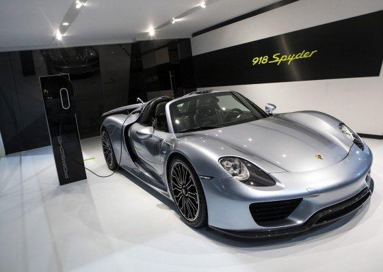 "AFP/""Scanpix"" nuotr./""Porsche 918 Spyder"""