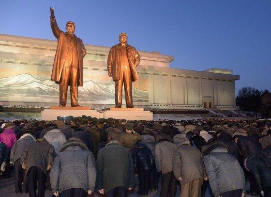 """""""Reuters""""/""""Scanpix"""" nuotr./Šiaurės Korėjoje minimos Kim Jong-Ilo mirties metinės"""