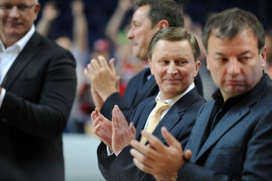 Alfredo Pliadžio nuotr./Sergejus Ivanovas (antras iš dešinės)