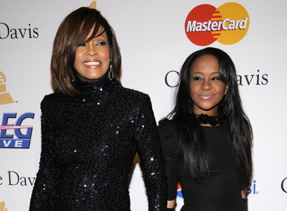 """Reuters""/""Scanpix"" nuotr./Bobbi Kristina Brown su mama"