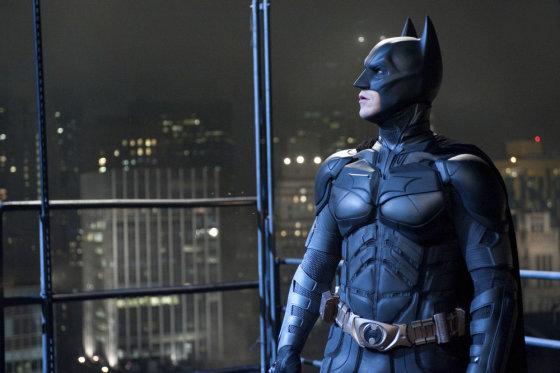 """""""Reuters""""/""""Scanpix"""" nuotr./Christianas Bale'as filme """"Tamsos riterio sugrįžimas"""" (The Dark Knight Rises)"""