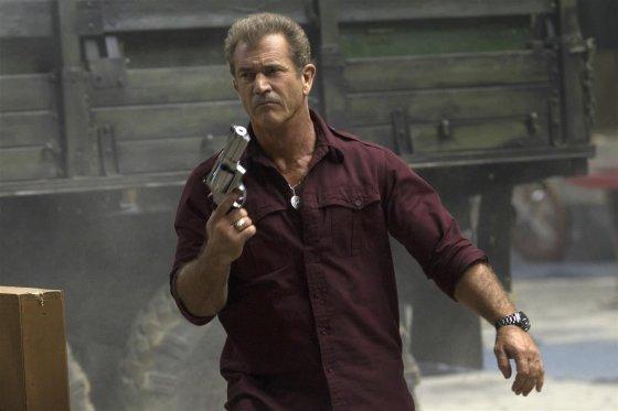 """""""Garsų pasaulio įrašų"""" nuotr./Melas Gibsonas filme """"Nesunaikinami 3"""""""
