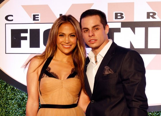 """AFP/""""Scanpix"""" nuotr./Jennifer Lopez ir Casperas Smartas"""