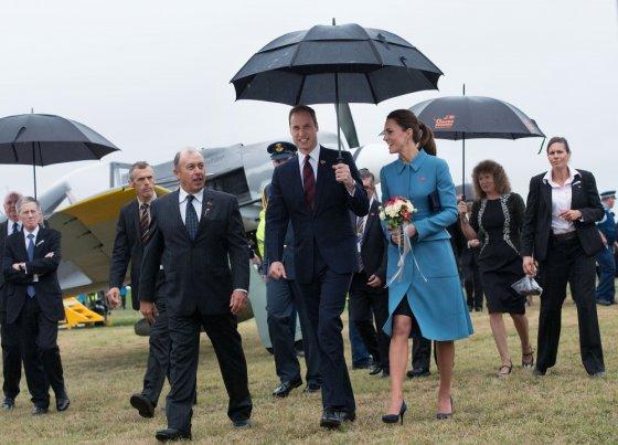 """AFP/""""Scanpix"""" nuotr./Princas Williamas ir Kembridžo hercogienė Catherine"""