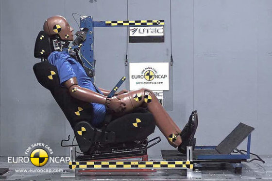 """""""Euro NCAP"""" nuotr./""""Euro NCAP"""" saugumo testas 2011 metų vasario mėn."""