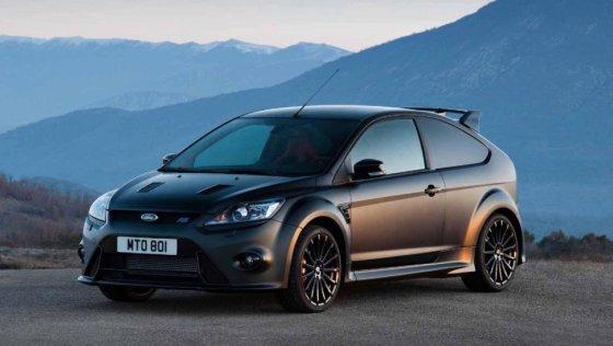 """Ankstesnės kartos """"Ford Focus RS"""" sulaužė nemažai """"karštų hečbekų"""" rinkos stereotipų"""