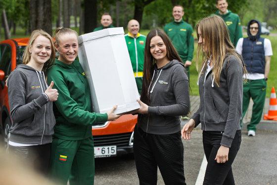 """""""Sostena"""" nuotr./Lietuvos moterų krepšinio rinktinė slalomo trasoje"""