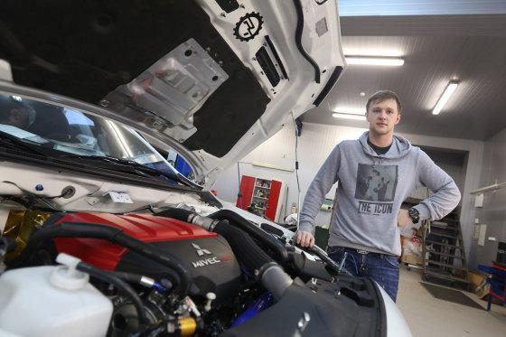 """Juliaus Kalinsko/15min.lt nuotr./Roko Kvaraciejaus """"Mitsubishi Lancer Evo X"""""""