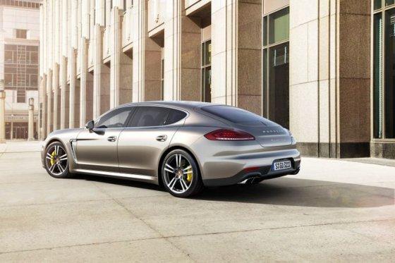 """Porsche"" nuotr./""Porsche Panamera Turbo S"""