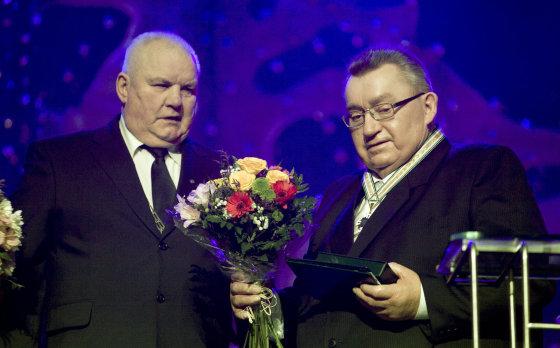 Ričardo Pasiliausko/Marijampolės savivaldybė nuotr./Marijampolės meras Vidmantas Brazys (kairėje) ir Mangirdas Krunkaitis