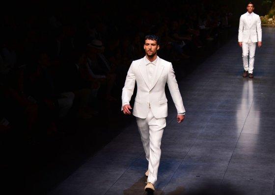 "AFP/""Scanpix"" nuotr./""Dolce and Gabbana"" vyriškų kostiumų kolekcija"