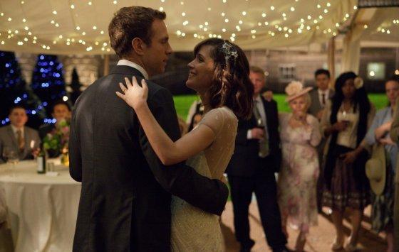 """Kadras iš filmo/""""Pašėlę pirmieji metai"""" (""""I Give It a Year"""", 2013, IMDb – 5,8)"""