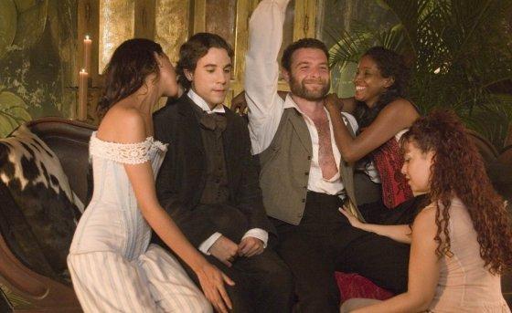 """Kadras iš filmo/""""Meilė choleros metu"""" (""""Love in the Time of Cholera"""", 2007, IMDb – 6,4)"""