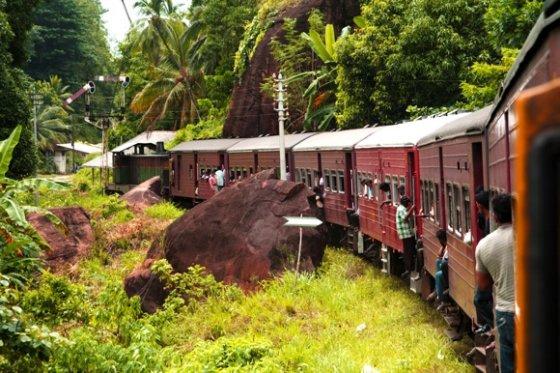 123rf.com nuotr./Traukinys Šri Lankoje.