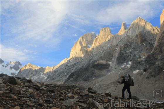 MM alpinistų nuotr./Fitz Rojaus masyvas iš vakarinės pusės