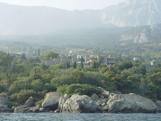 wikimedia.org nuotr./Vorontsovo pilis Juodosios jūros pakrantėje Alupkoje